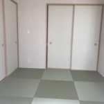 1階5.2帖の和室。お部屋としての利用もできるくつろぎ空間です。(和室)
