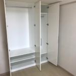 室内(2019年年8月)撮影 各居室収納スペースあります。(収納)